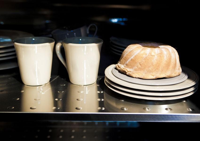 250 cm breite Edelstahlküche mit Theke