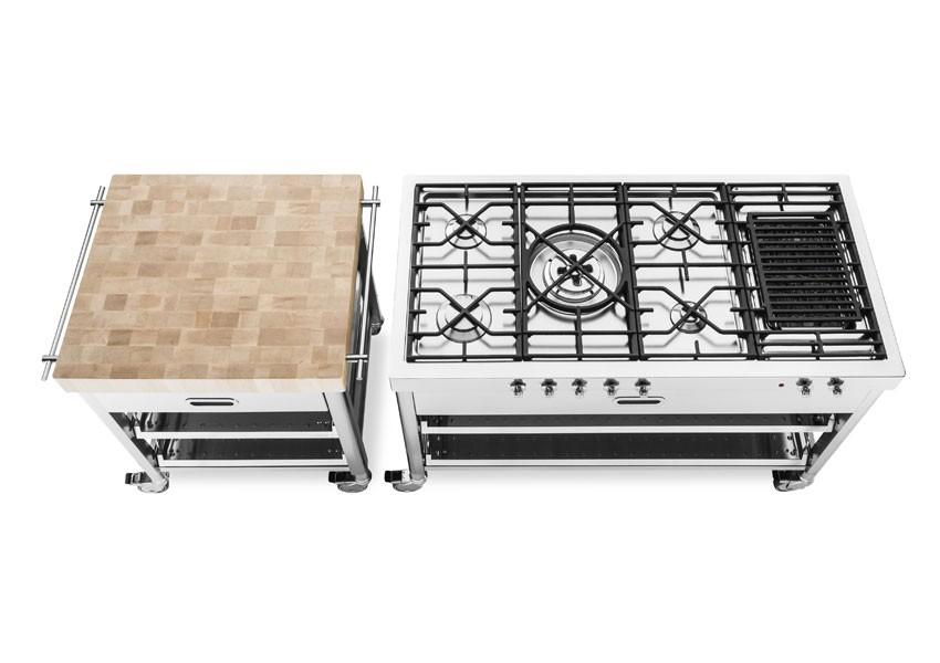Kochelement mit 5 Gas-Kochstellen, Elektrogrill mit Gusseisenrosten und stirnseitigen Bedienknöpfen.