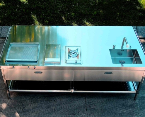 250 cm breite Outdoor-Küchen auf Rädern